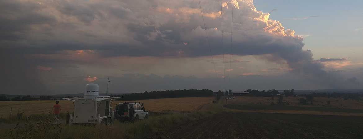 Bushfire with pyroconvective clouds